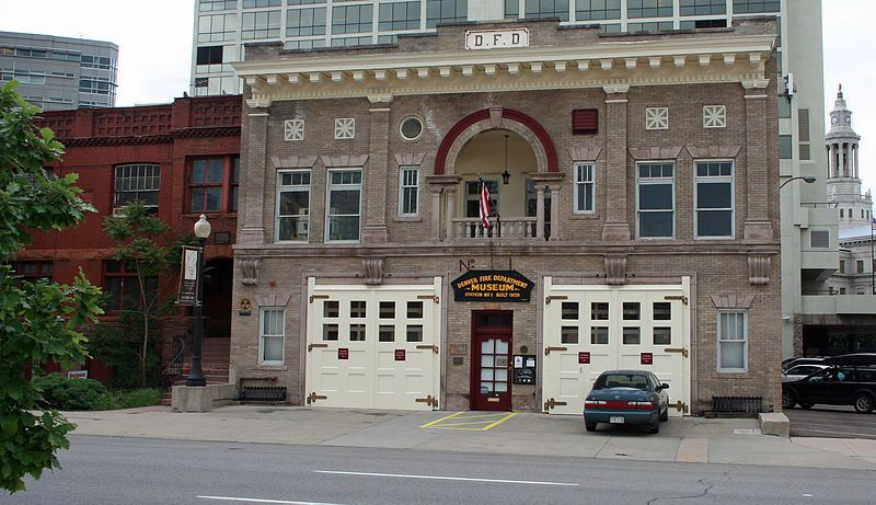 (Denver Firefighters Museum, photo de Jeffrey Beall, 27/05/2009, wikipedia)