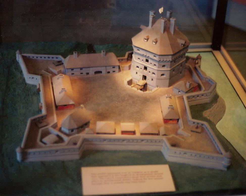 (Maquette de Fort St Frédéric, photo de Charny, 30/12/2011, wikipedia)