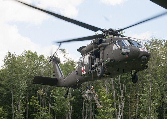(UH-60 de la VT ARNG, photo de Staff Sgt Nathan Rivard, ARNG, 01/08/2015, www.flickr.com)