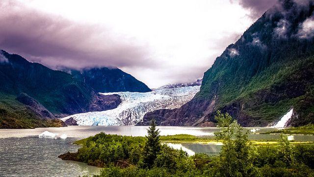 (Glacier Mendenhall, photo de Ian D. Keating, 07/06/2015, www.flickr.com)