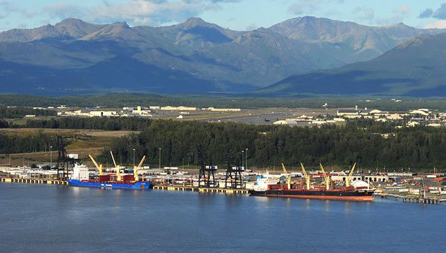 (Port of Anchorage, photo www.portofanc.com)