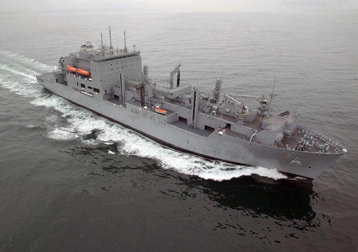 (L'USNS Lewis and Clark du MPS-2, photo www.msc.navy.mil)