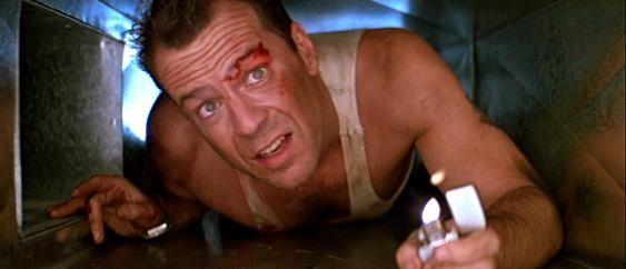 Dans Die Hard Bruce Willis et John McTiernan inventent l'action-hero qui en chie!