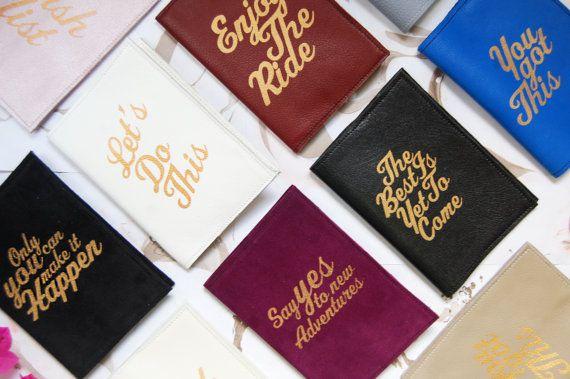 Un carnet en cuir où noter ses souhaits (d'autres couvertures disponibles.)