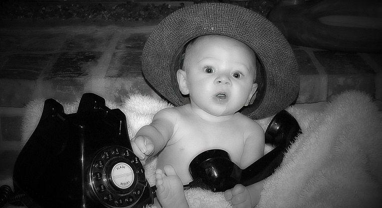 Non mais allô, quoi?! tu crois pouvoir téléphoner?!?