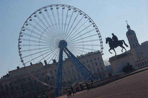 La plus grande place de Lyon (mais pas la plus jolie), la Place Bellecour