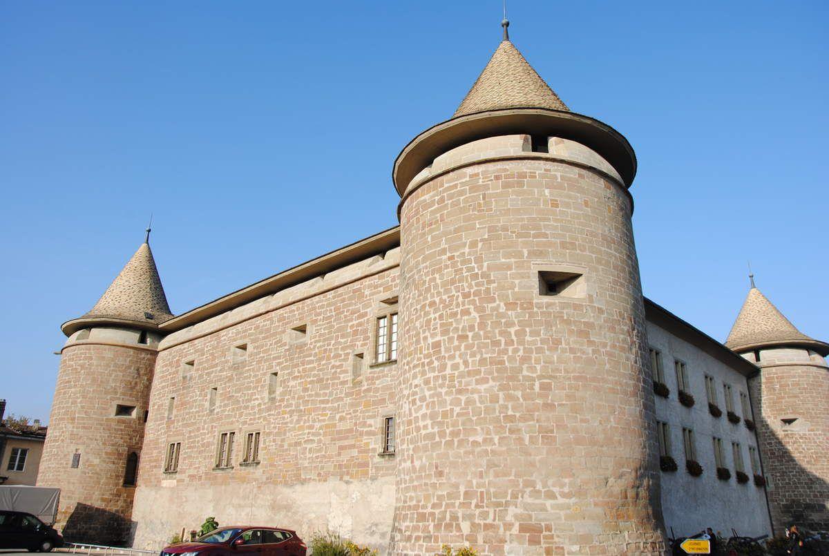 le château de Morges qui est un carré savoyard