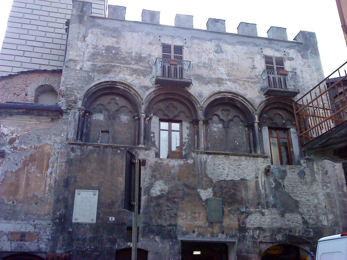 La Casa Bartholomei à Suse reflète bien la richesse de la ville au XIII e siècle
