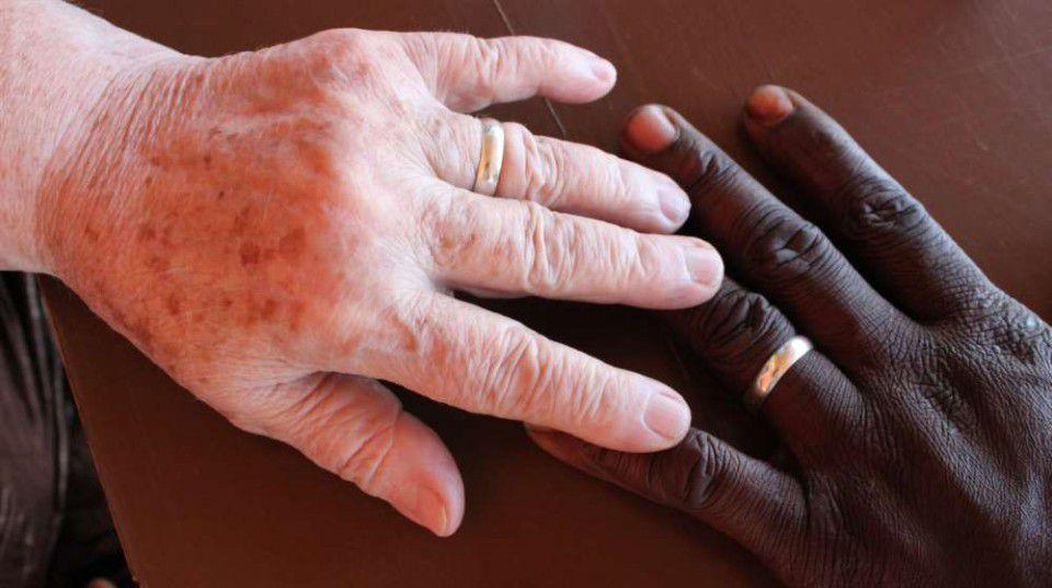 Suède: Maire, 71 ans, épouse un Gambien de 34 ans. C'est son 3ème mariage avec un Gambien