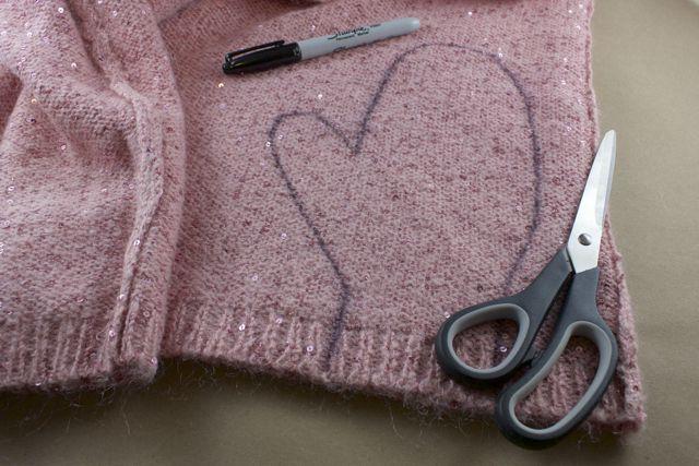 Adorables moufles à réaliser avec un vieux pull , et son pas à pas en images  !