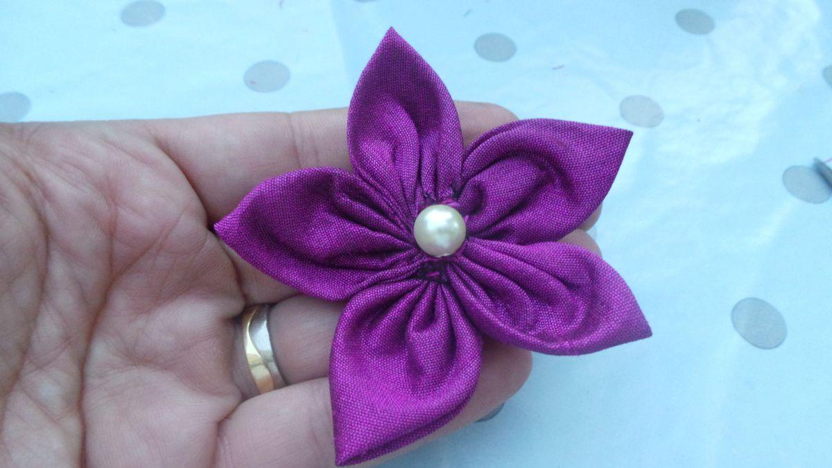 Réaliser des fleurs en tissus