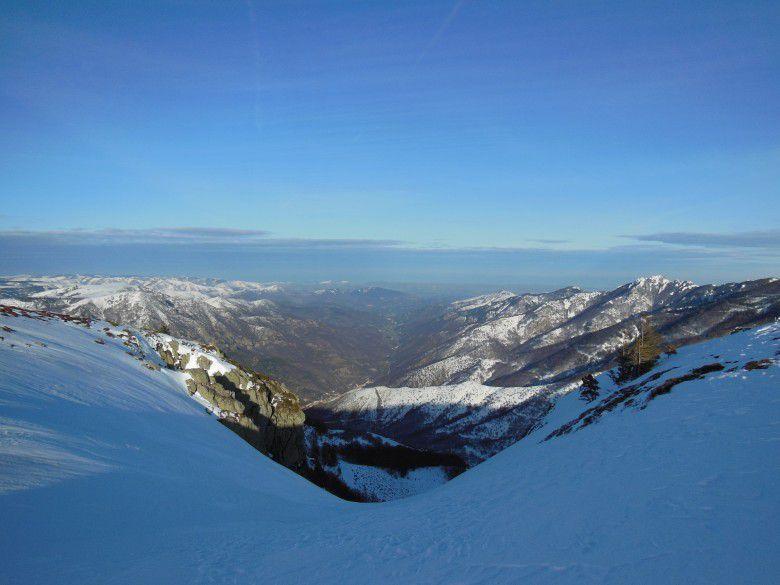 La Haute Vallée de l'Ardèche depuis le sommet des Valadous (1548 m)