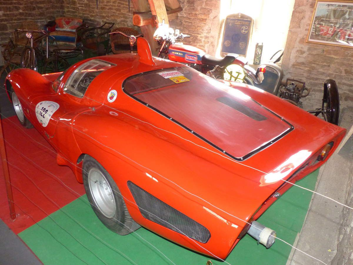 Abarth et motos / Abarth cars and ancient bikes