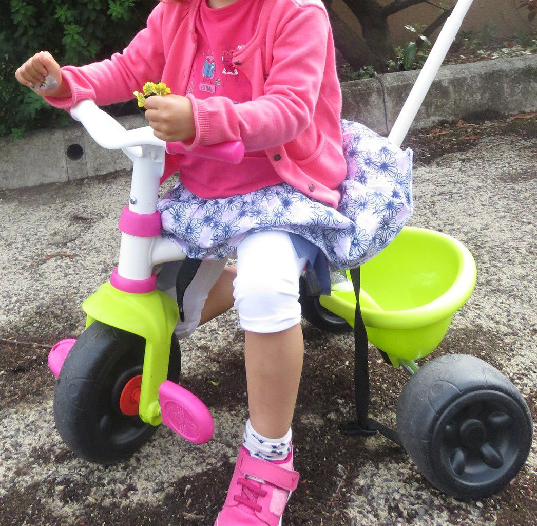 ... et du tricycle qui fait le tour du voisinage...