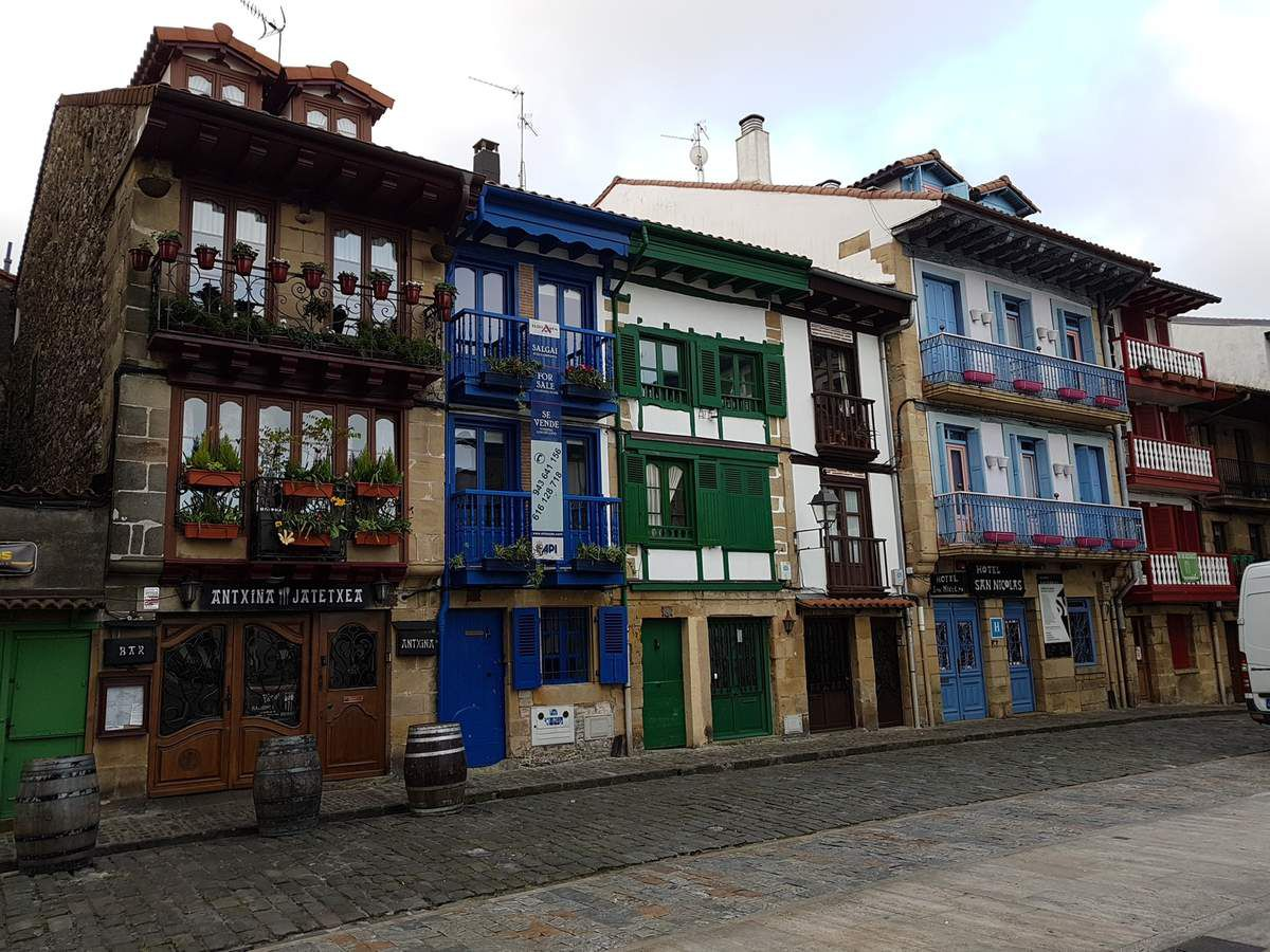 HONDARRIBIA very cute town recommended