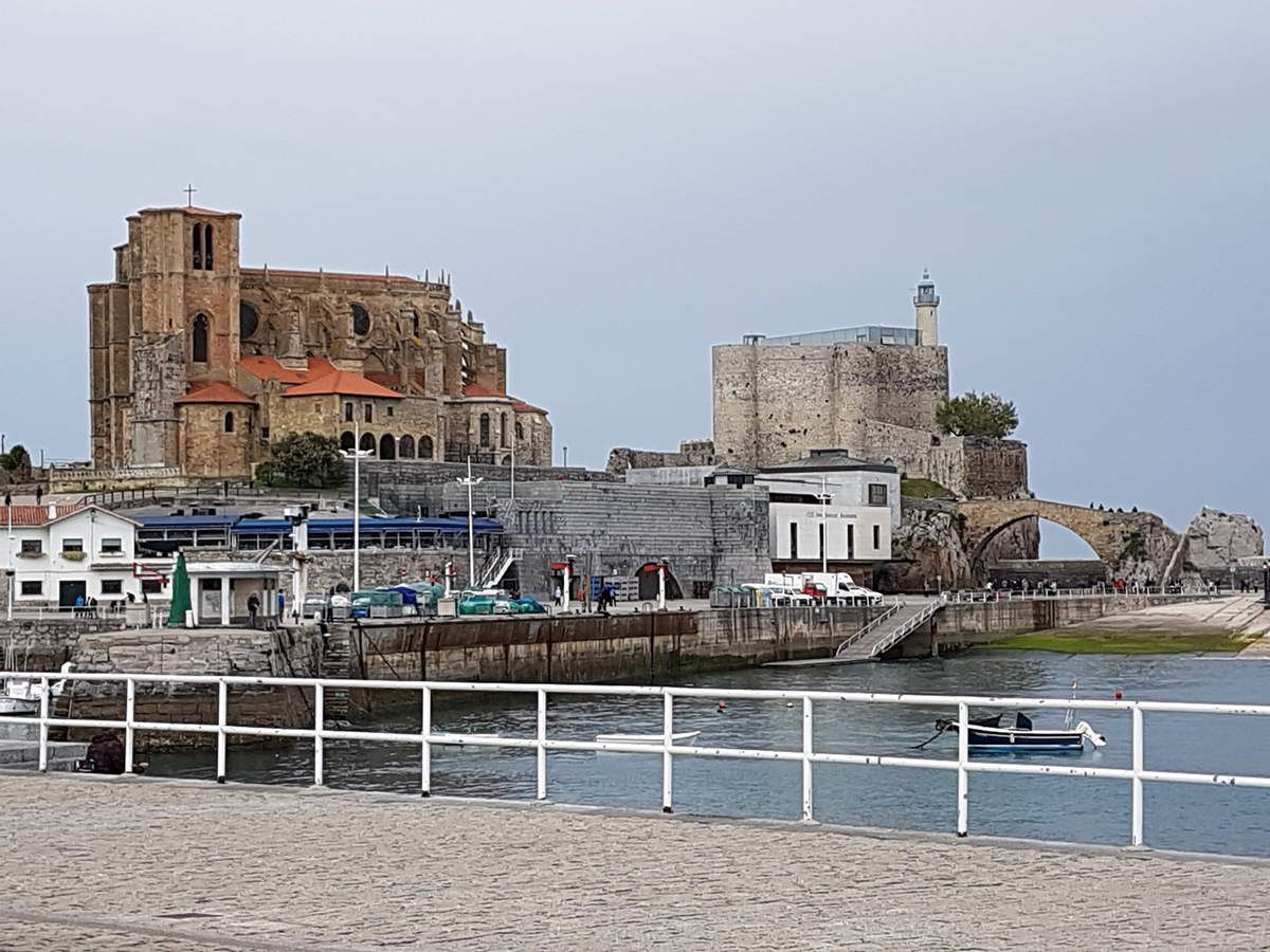 Mining past of the region and church / castle at CASTRO URDIALES