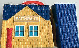 JO911 - Thomas &amp&#x3B; friends - gare 'de poche' de Maithwaite - 10€