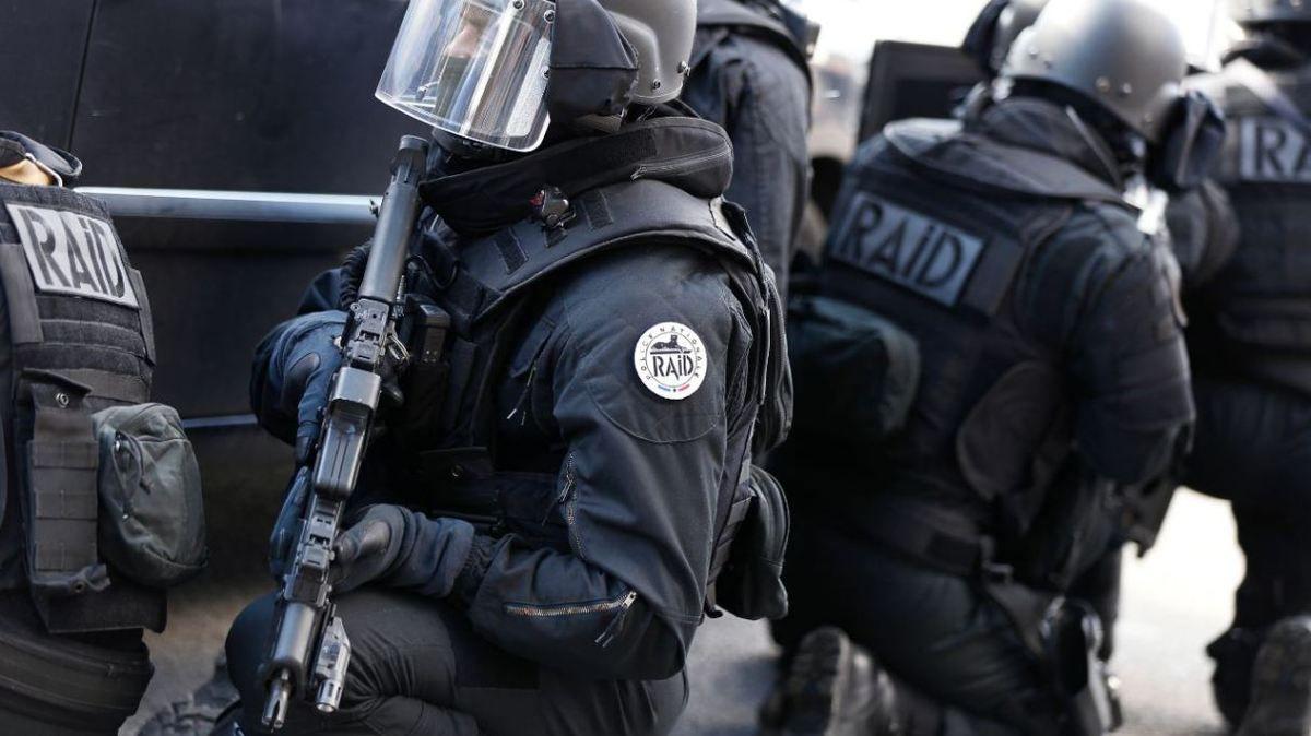 #Nîmes Le RAID arrête 3 hommes lourdement armés sur fond de guerre de gangs