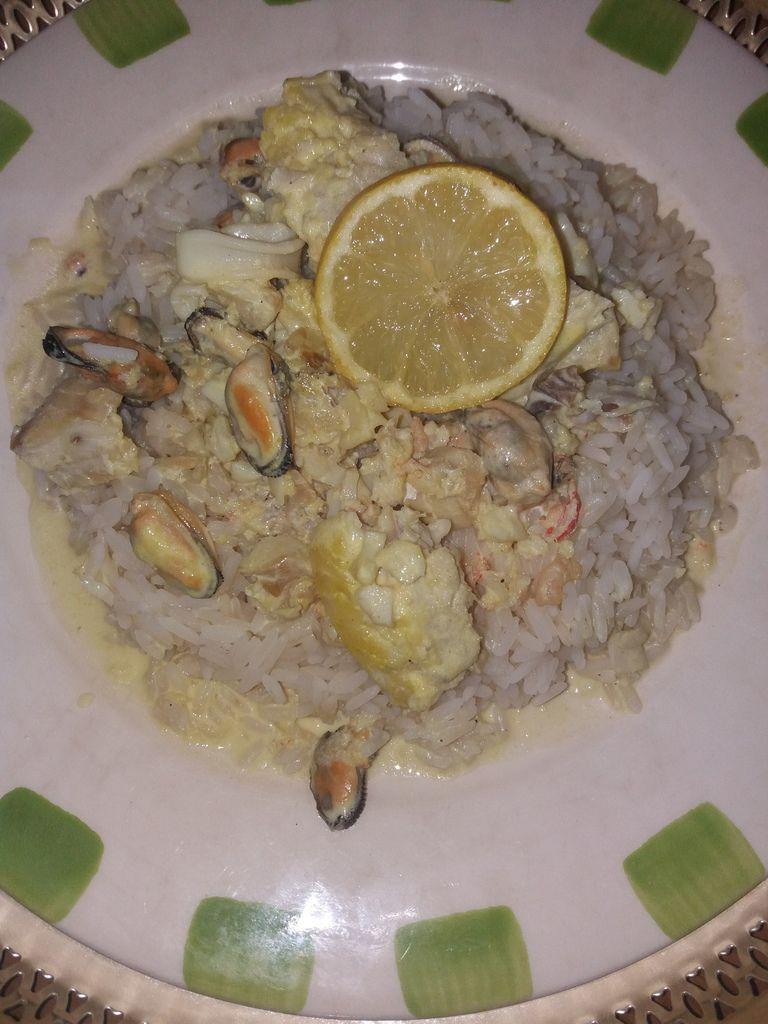 riz au poisson et fruits de mer les delices de manel