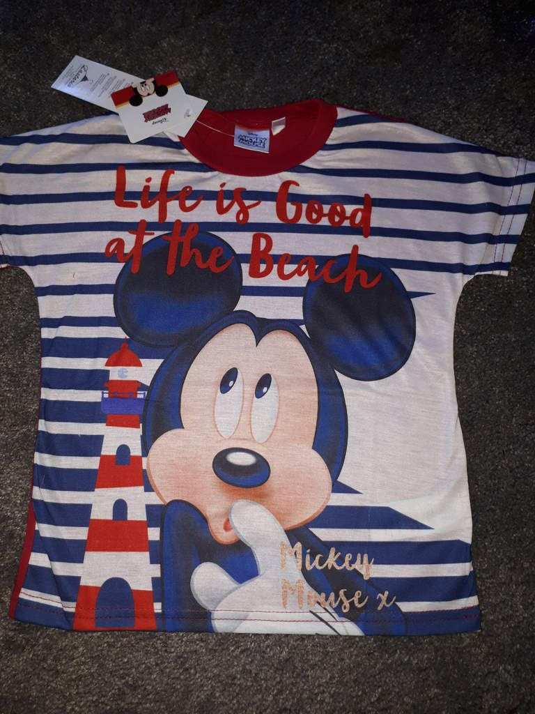 6 ans 1 t-shirt mickey rouge 7€