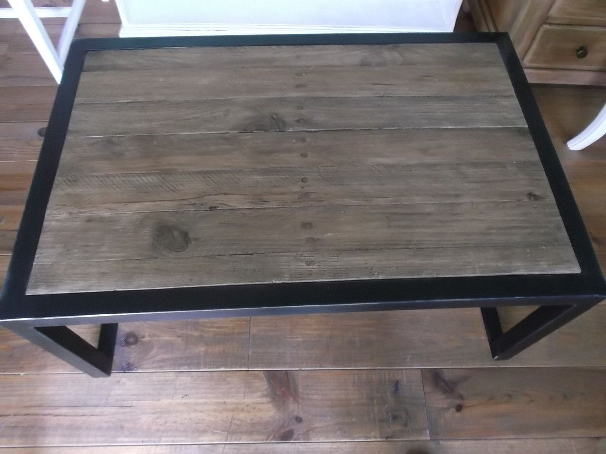 TABLE BASSE TYPE INDUSTRIELLE