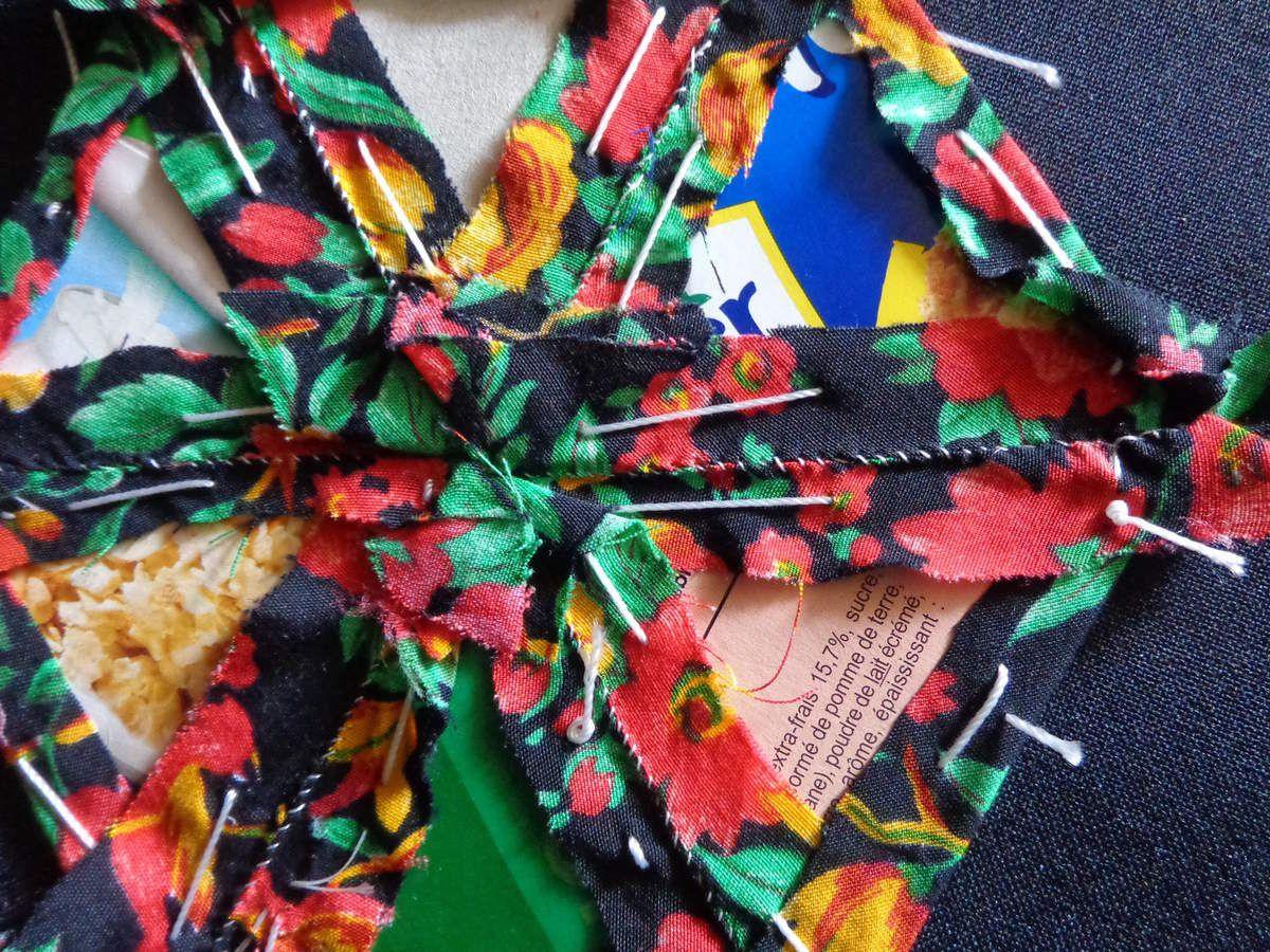 patchwork réalisé avec des restes de coupons, de vieux vêtements dont le tissus est encore en bon état. je ne vais tout de même pas les jeter!!!!