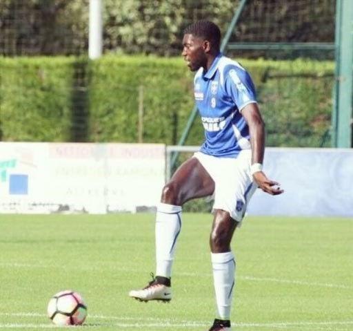 Fandjo Kasembe sous le maillot de l'AJA
