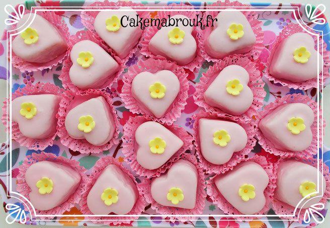 M'khabez gâteau algérien au glaçage coeur rose