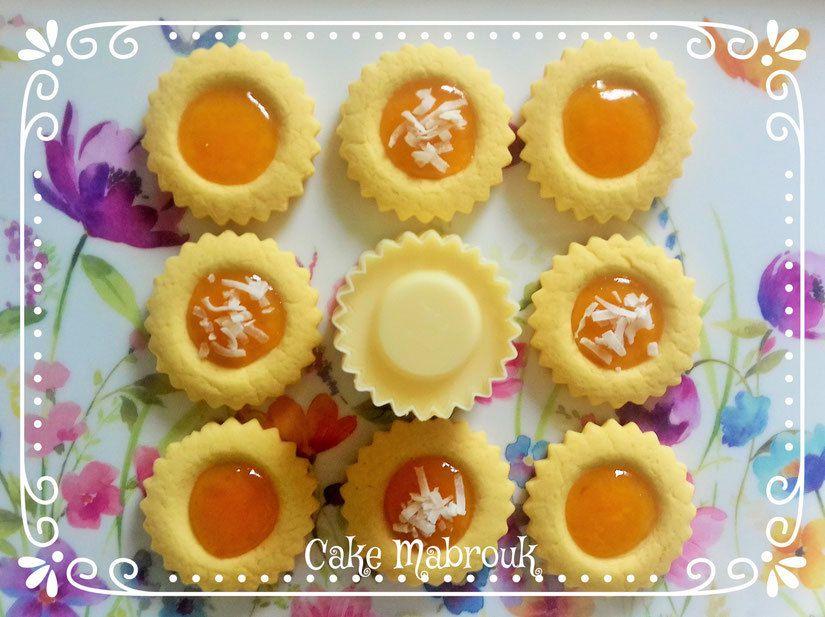 Tartelettes soleil à la confiture d'abricot et morceaux tendres de noix de coco