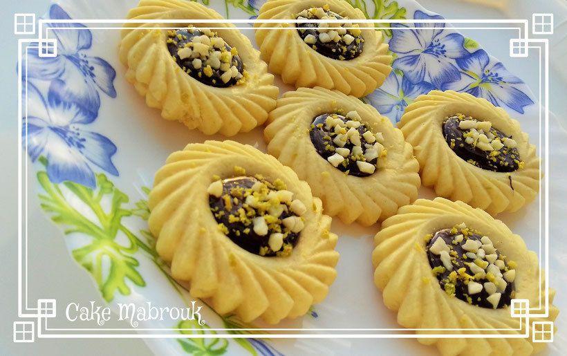 Tartelettes au chocolat (amandes concassées poudre de pistache)