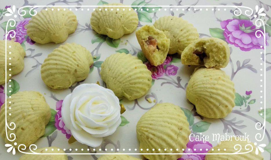 Coquillage à la pistache fourrés aux noix