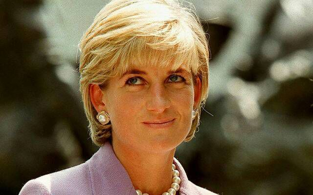 Diana's death, week of grief shakes the monarchy