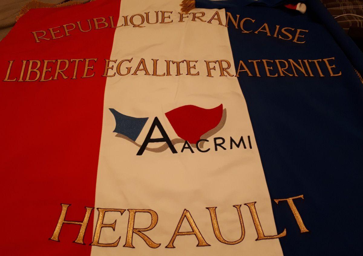 LE DEPARTEMENT DE L'HERAULT A OFFERT UN DRAPEAU TRICOLORE A L'AACRMI