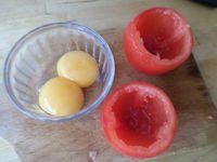 Oeuf cocotte en coque de tomate
