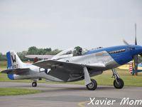 """De gauche à droite: Le Hawker Hurricane MKII F-AZXR, Le Ryan ST-A F-AZVQ et le NA P51D Mustang F-AZXS. """"N'hésitez pas à cliquer sur les images""""."""