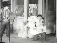 Image prémonitoire du destin du film &#x3B; La fameuse chemise dessinée de Buck &#x3B; Un gag à la Walt Disney