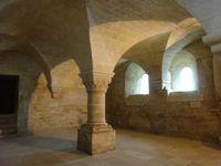 Abbaye de Sénanque (dortoir, chauffoir, salle capitulaire, cloître et diable) ©Théodore Charles/un-culte-d-art.overblog.com