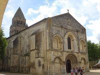 Saintes (Abbaye-aux-Dames, Arc de Germanicus, Amphithéâtre, Cathédrale Saint-Pierre, Saint-Eutrope et centre d'intrerprétation du patrimoine) ©Théodore Charles/un-culte-d-art.overblog.com