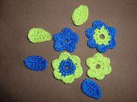 quelques petites fleurs déclinées en différents coloris