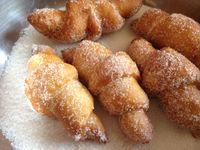 Beignet forme croissant