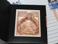 Le joli parfum Repetto sorti avant l'été avec lequel je venais tout juste de ma faire parfumée à Nocibé (coincidence ^^)...