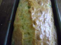 Cake salé aux poivrons et aux olives