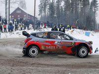 Mikkelsen (VW), superbe 2ème, Tänak (Ford) 4ème, Ostberg (Citroën) 5ème, les jeunes poussent ! Neuville (Hyundai), plus calme qu'au Monte Carlo, est en embuscade.
