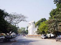 Mandalay : retour dans une grande ville asiatique