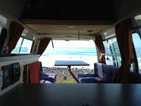 Spéciale dédicace à nos amis Clairette & Nico et Louise & Mat : c'est trop génial un van !!!!! :-)