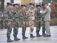 Hautes-Alpes : visite du commandant des forces terrestres au 4 RCH