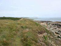 Au sud de Saint-Tugen, en longeant la plage de l'Anse du Cabestan par le sentier côtier GR 34, vers l'ouest en direction de Pors Tarz... Cliquer sur les photos pour les agrandir...