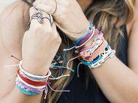 from Costa Rica..... bracelets et accessoires PURA VIDA
