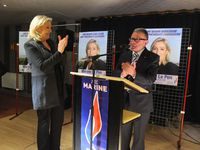 Marine LE PEN en campagne dans le Nord-Hainaut