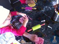 Un atelier anniversaire à domicile : gâteau océan avec Eva !